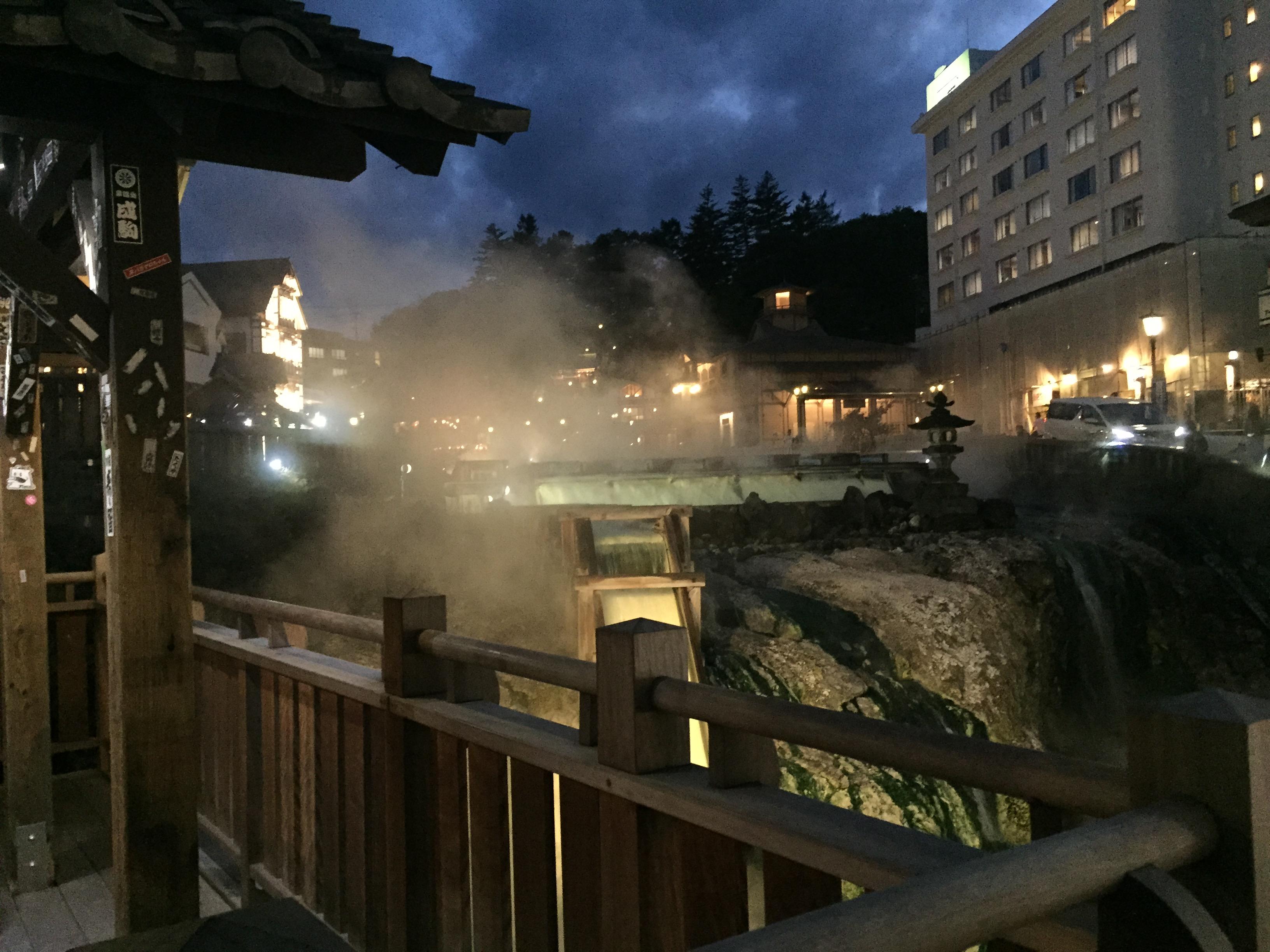 草津温泉、夜